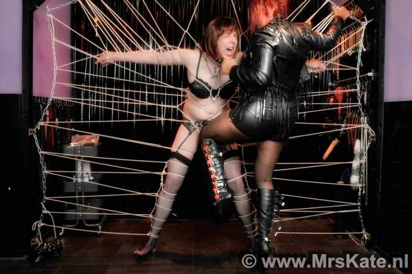 Ballbusting Mrs Kate House of SubMission Den Haag